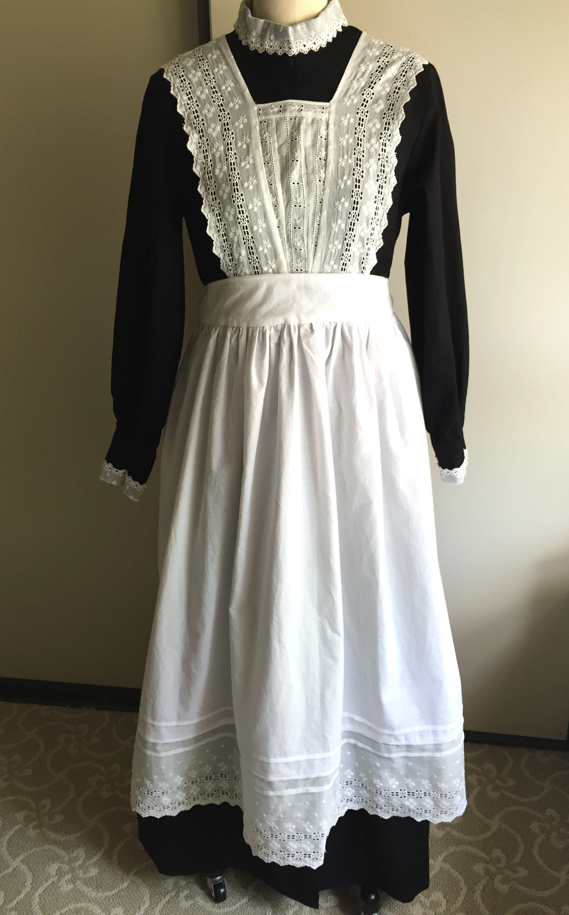 Old Fashioned Maid Dress With Button Women