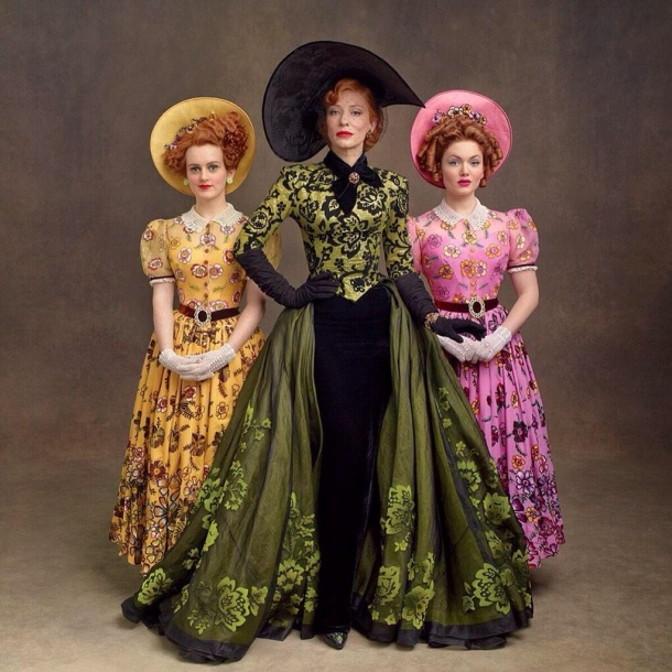 Lady_Tremaine_with_her_daughters