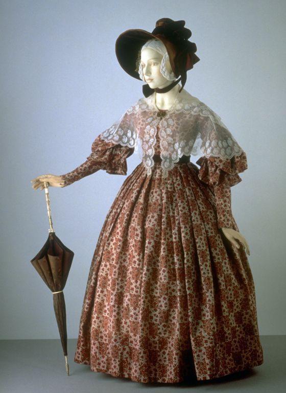 Dress-With-Lace-Pelerine